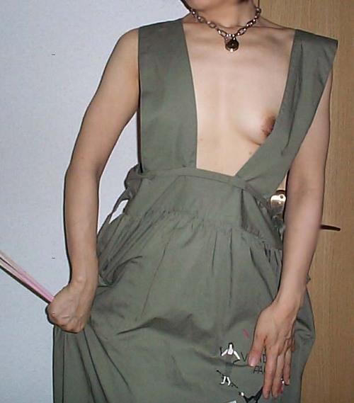熟女 家庭的 裸 エプロン おばさん エロ画像【3】