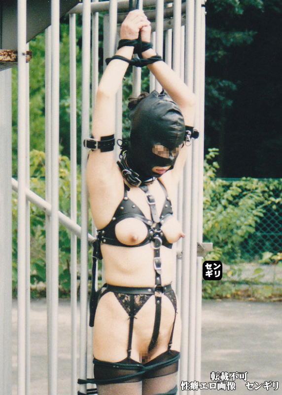 人妻 投稿 非常階段 全裸 緊縛 エロ画像【5】