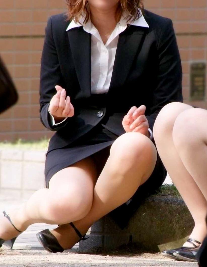 OL 座りパンチラ エロ画像【7】