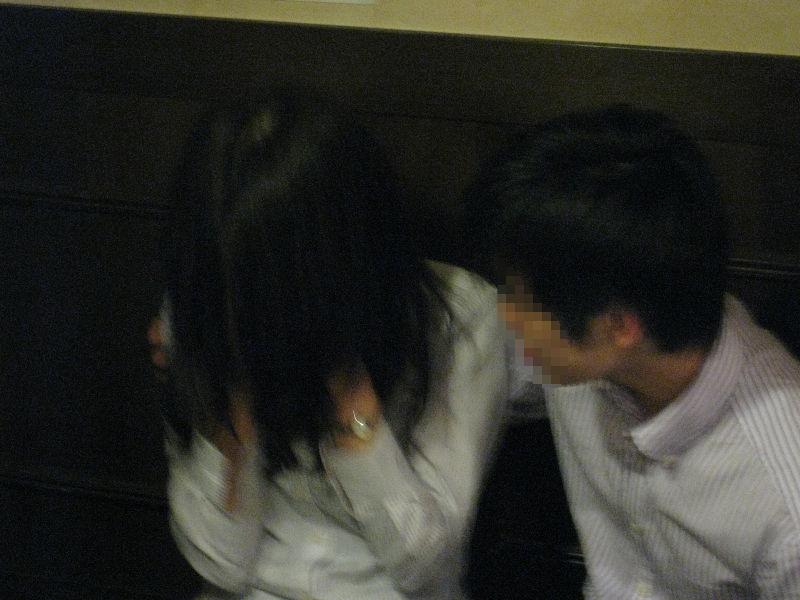 泥酔 OL 飲み会 悪戯 セクハラ お持ち帰り エロ画像【19】