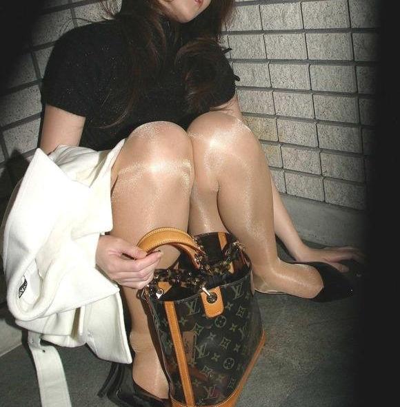 泥酔 OL 飲み会 悪戯 セクハラ お持ち帰り エロ画像【21】
