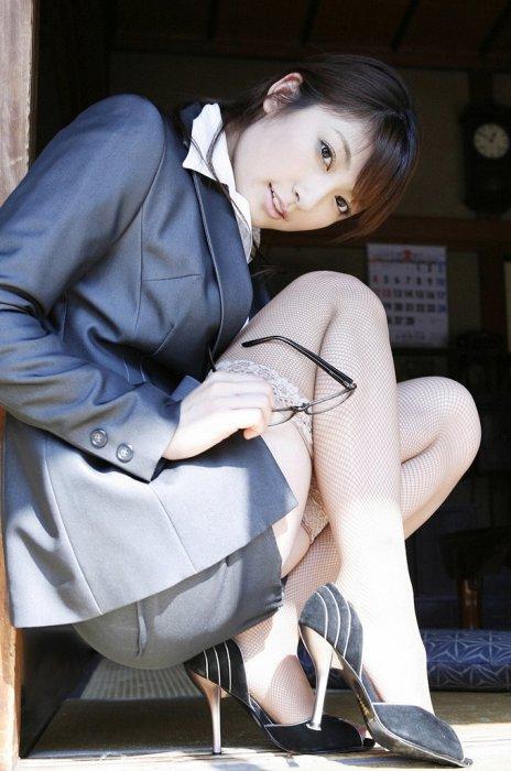 セクシー OL 網タイツ エロ画像【9】
