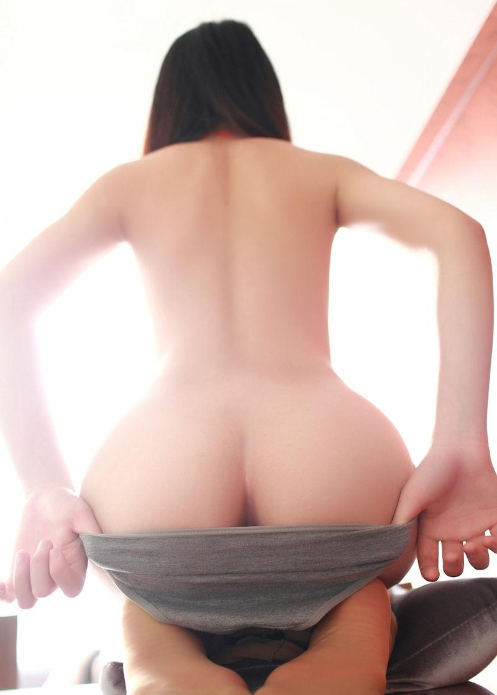 肛門 チラリ 半ケツ 半アナル エロ画像【15】