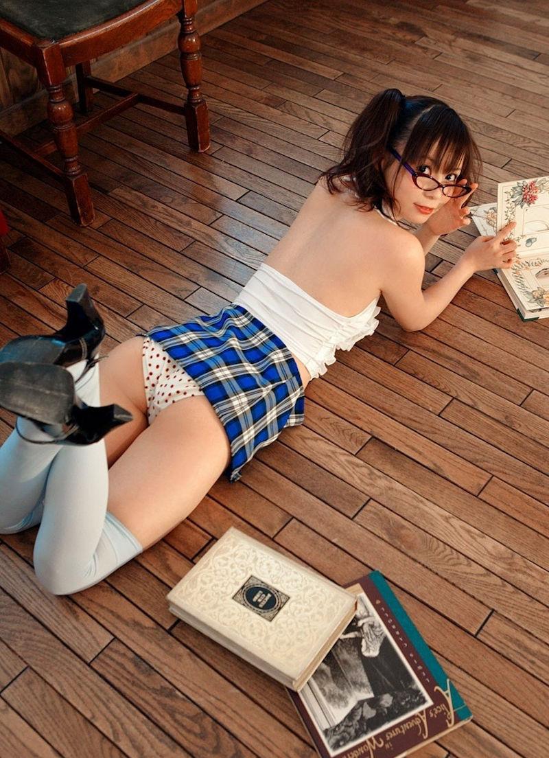 雑誌 小説 参考書 読書 美人 エロ画像【13】