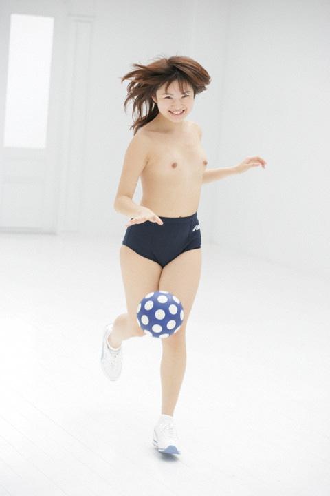 ブルマ一丁 上半身 裸 体操服 トップレス エロ画像【2】