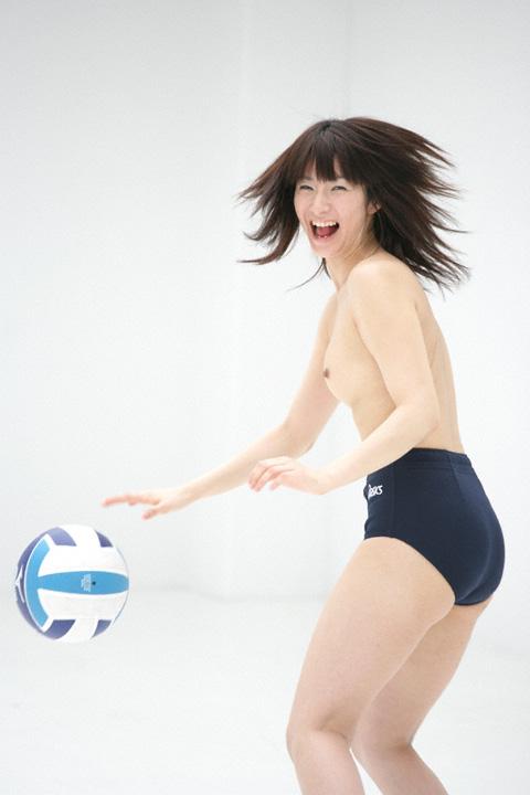 ブルマ一丁 上半身 裸 体操服 トップレス エロ画像【3】