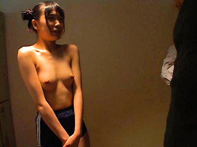 ブルマ一丁 上半身 裸 体操服 トップレス エロ画像【16】