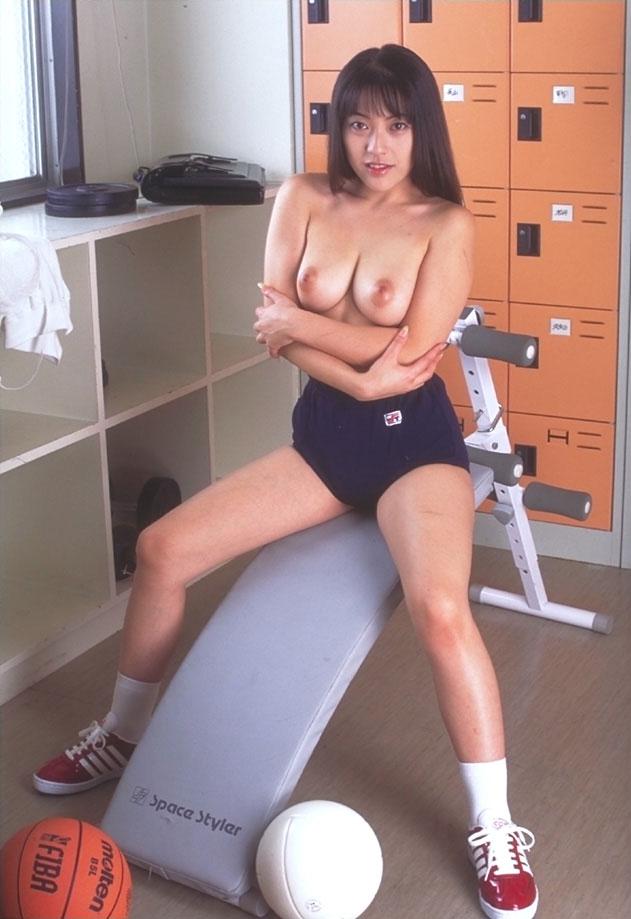 ブルマ一丁 上半身 裸 体操服 トップレス エロ画像【19】