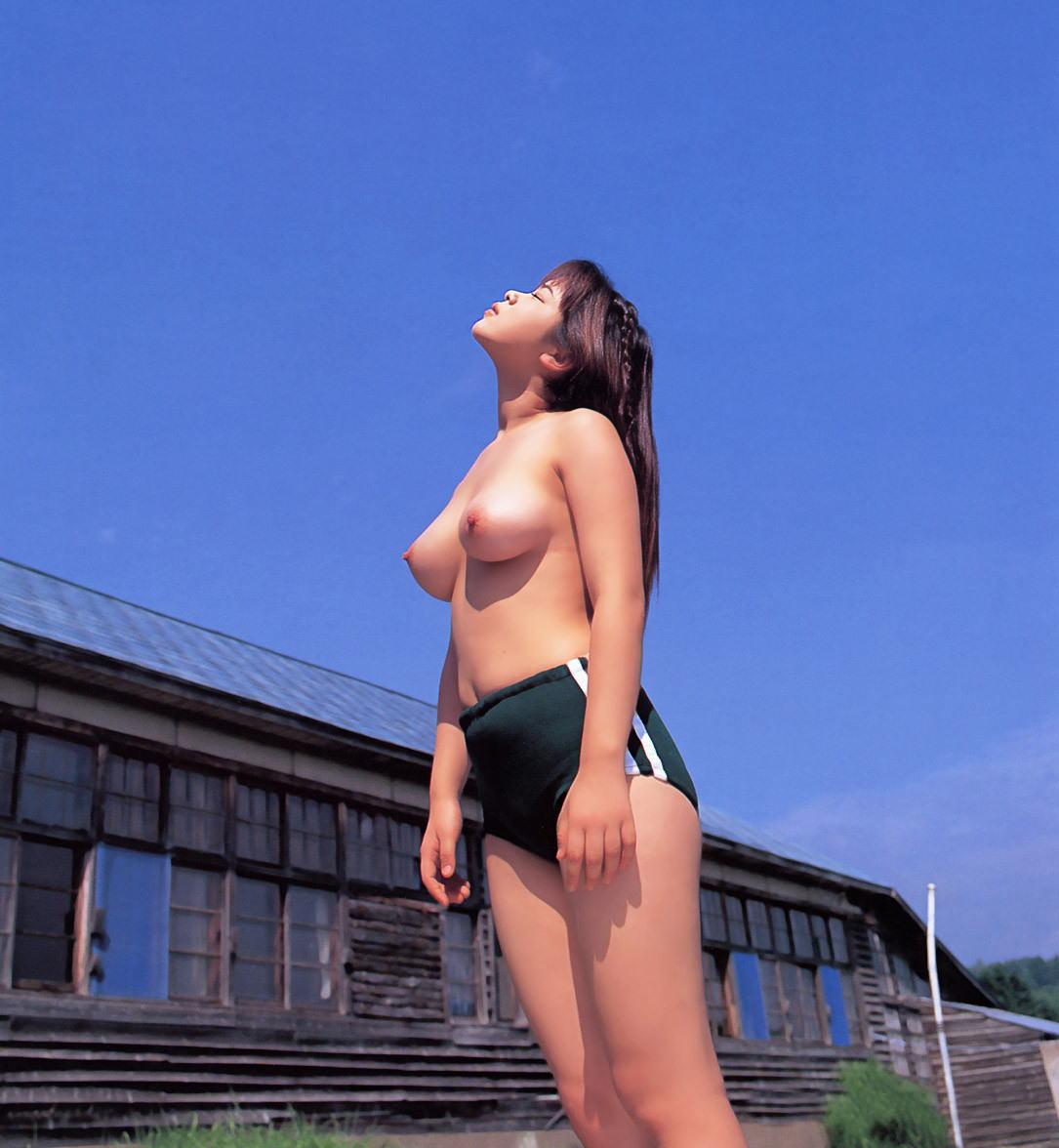 ブルマ一丁 上半身 裸 体操服 トップレス エロ画像【24】