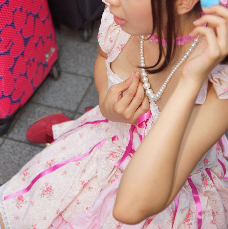 コミケ 乳首 乳輪 ハプニング ポロリ コスプレイヤー エロ画像【12】