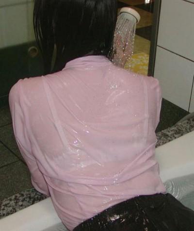 JK 制服 お風呂 着衣 入浴 エロ画像【2】