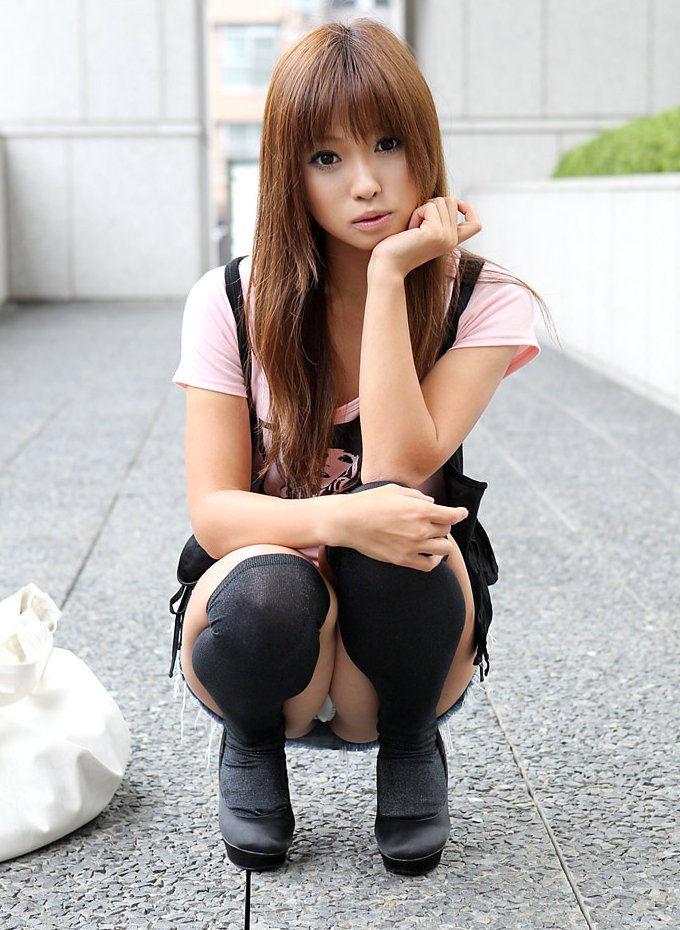 しゃがむ うんこ座り ギャル エロ画像【33】