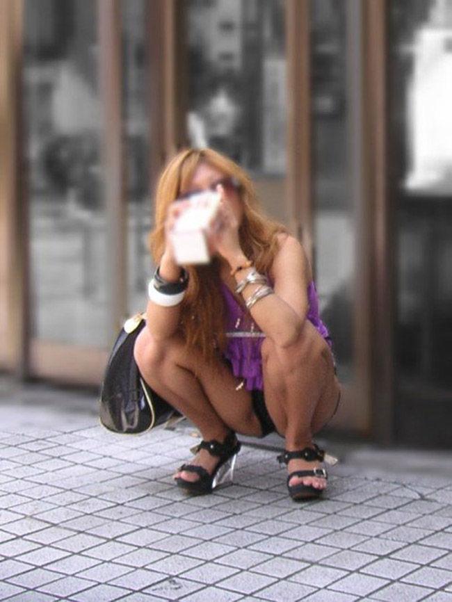 しゃがむ うんこ座り ギャル エロ画像【45】