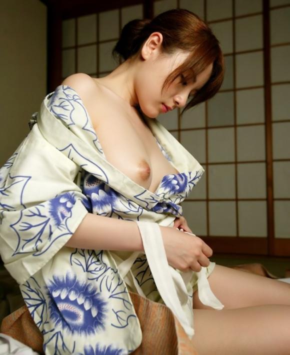 浴衣 着物 おっぱい ポロリ 和服 ズリ下げ エロ画像【3】