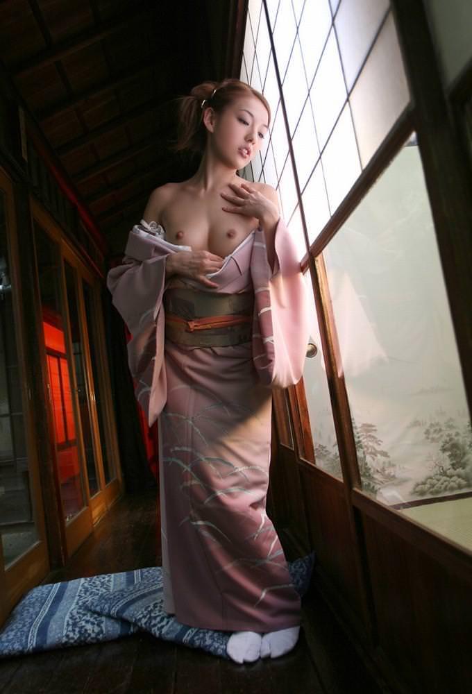 浴衣 着物 おっぱい ポロリ 和服 ズリ下げ エロ画像【16】