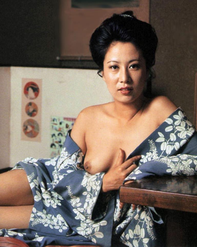 浴衣 着物 おっぱい ポロリ 和服 ズリ下げ エロ画像【50】