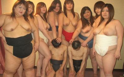 まわし姿の女相撲ではっけよいのこったのエロ画像 ④