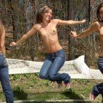 おっぱいジーンズ姿の外国人!トップレスデニムのエロ画像