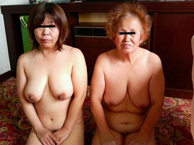 ババアが脱いだ!婆さんが全裸なおばあちゃんヌード画像集