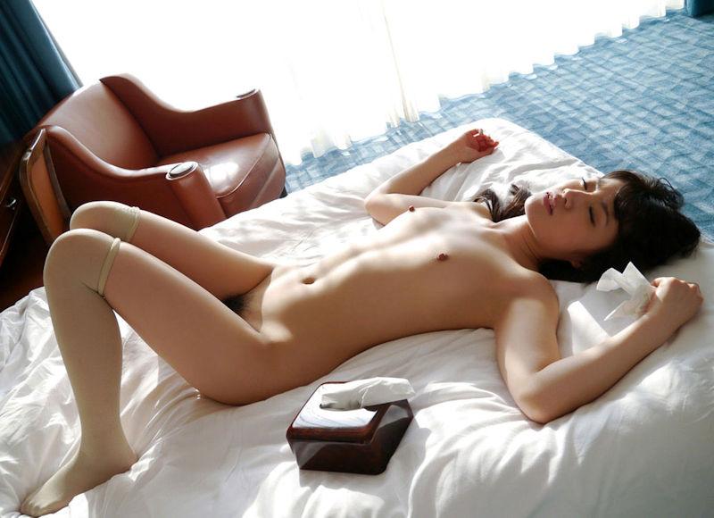 ティッシュ箱 全裸女性 ヌード エロ画像【18】