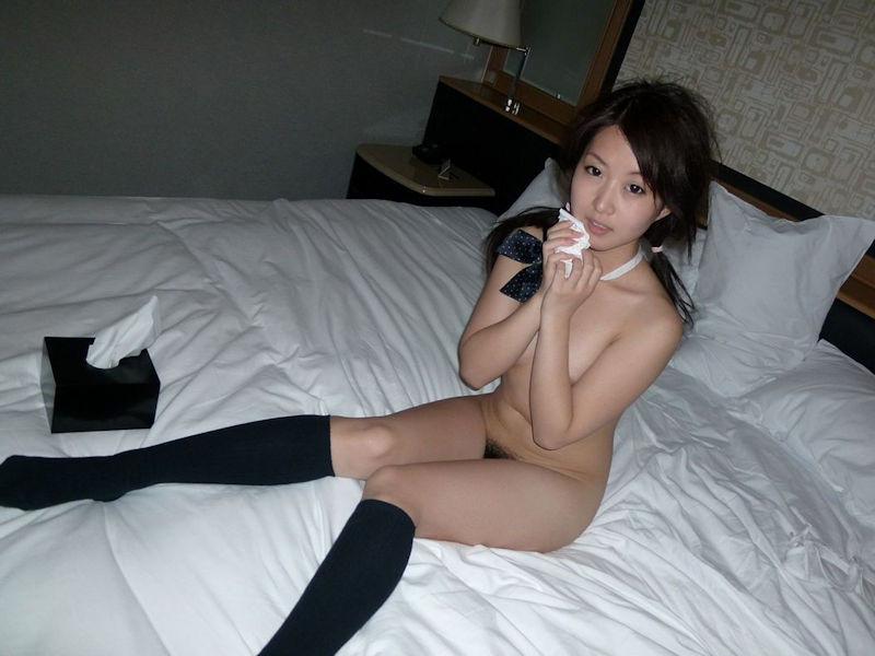 ティッシュ箱 全裸女性 ヌード エロ画像【24】