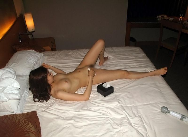 ティッシュ箱 全裸女性 ヌード エロ画像【44】