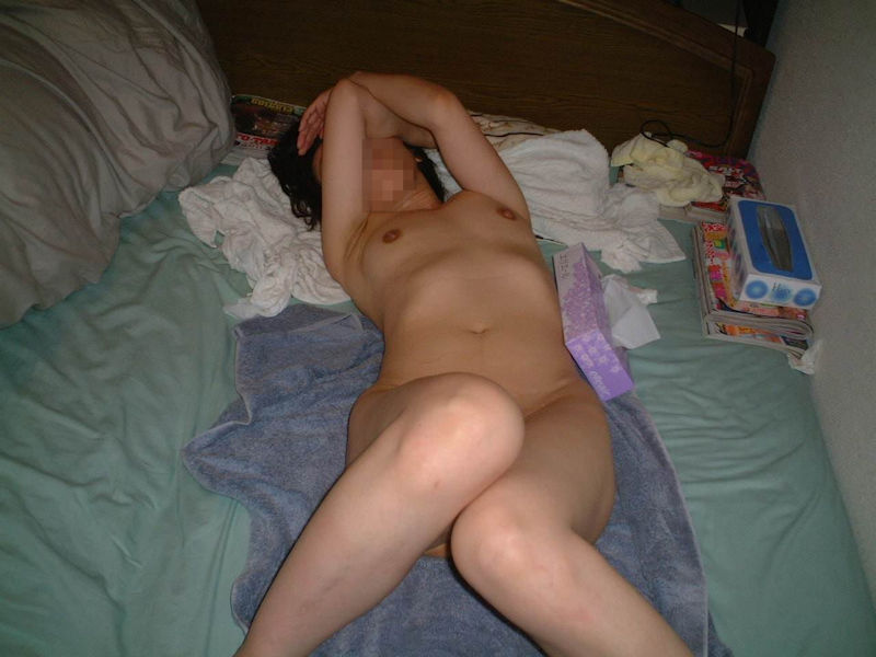 ティッシュ箱 全裸女性 ヌード エロ画像【61】