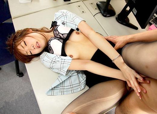 OL 会社 セックス 職場 エロ画像【3】
