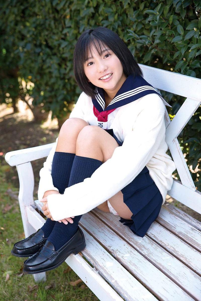 女子高生 パンチラ 黒髪 JK エロ画像【40】