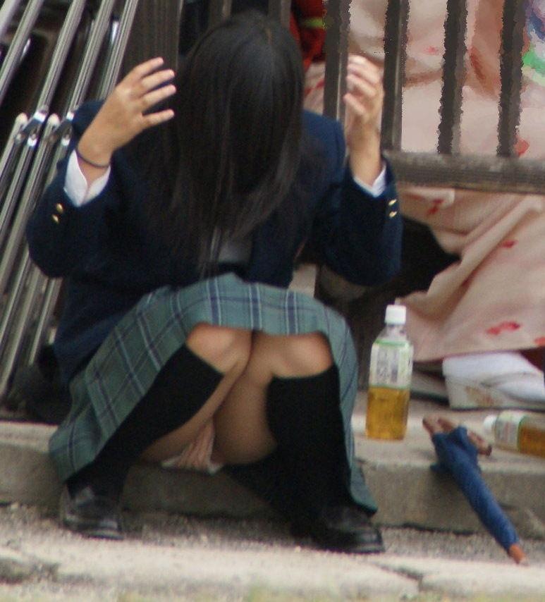 女子高生 パンチラ 黒髪 JK エロ画像【50】
