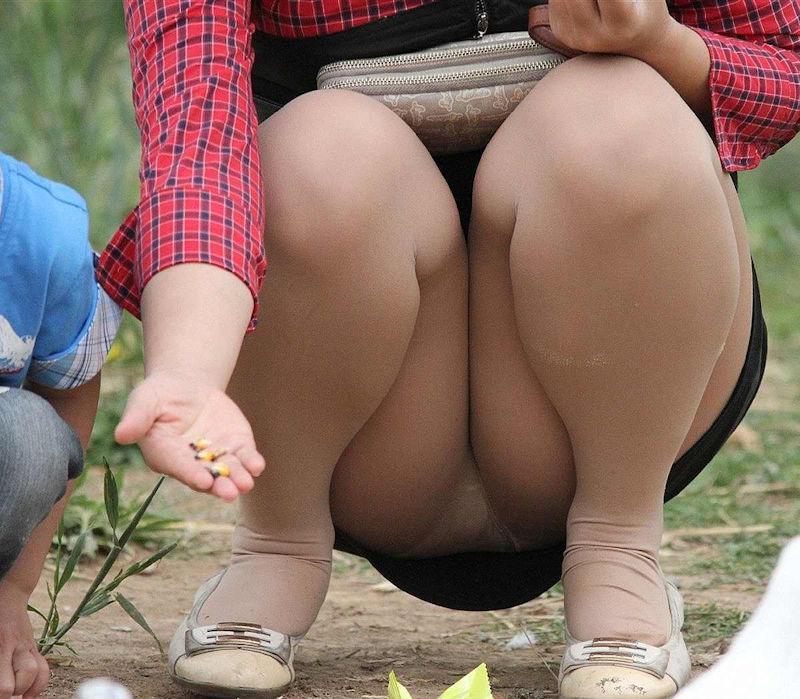 子連れ ママ パンチラ 公園 人妻 エロ画像【47】