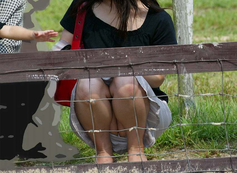 子連れ ママ パンチラ 公園 人妻 エロ画像【49】