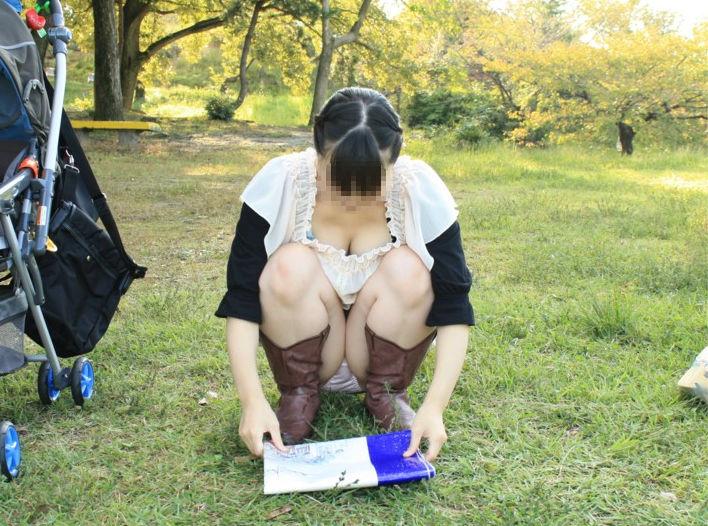 子連れ ママ パンチラ 公園 人妻 エロ画像【52】