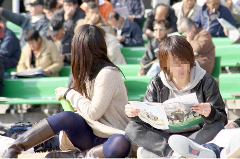 競馬場 レア パンチラ パンツ エロ画像【5】