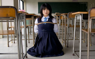 JKが学校で緊縛されるSM教室のエロ画像 ④