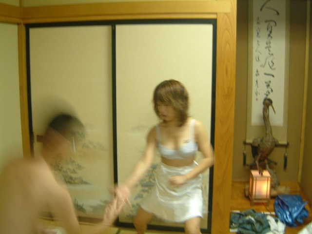 野球拳 ツイスターゲーム ピンクコンパニオン 遊び エロ画像【10】