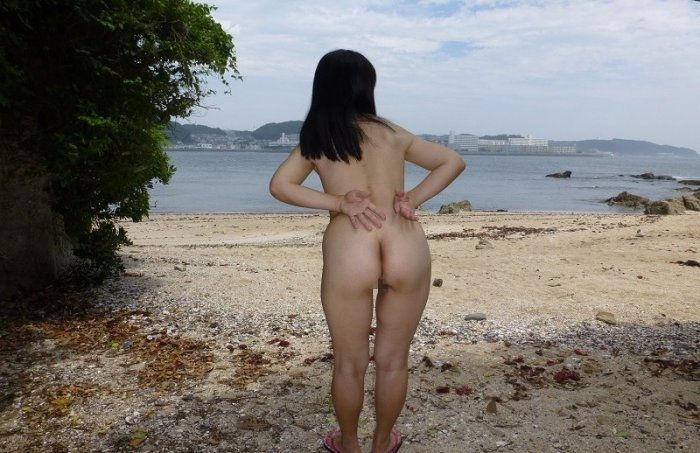 野外露出 全裸 露出狂 エロ画像【36】