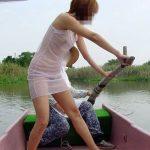田舎の娘っ子が野外露出してるへんぴな露出狂のエロ画像