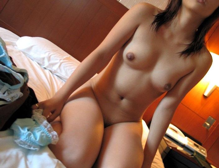 脱いだばかり セックス直前 ホテル 全裸 エロ画像【20】