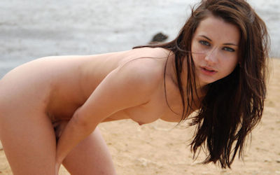 外国人美女・美少女が全裸なセクシーヌードのエロ画像 ①