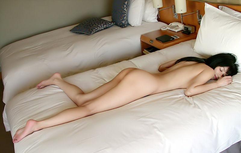 寝顔 寝姿 可愛い 居眠り 美女 エロ画像【20】