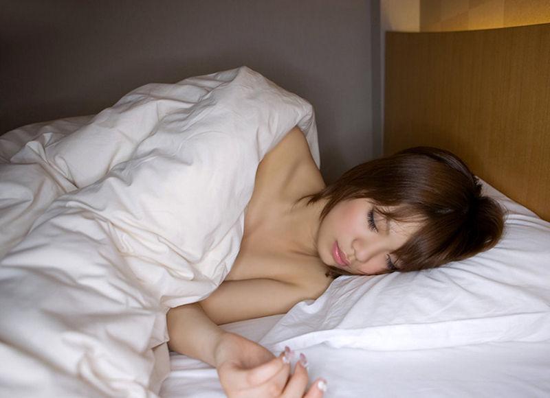 寝顔 寝姿 可愛い 居眠り 美女 エロ画像【35】