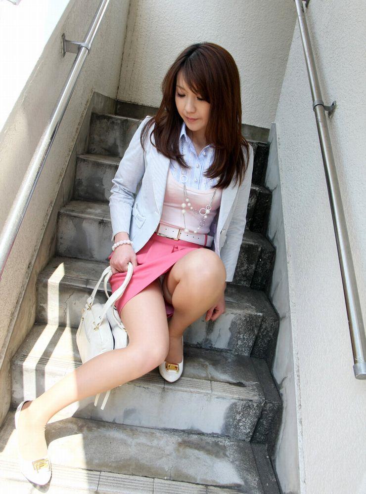 ミニスカ 美女 美脚 パンチラ エロ画像【6】