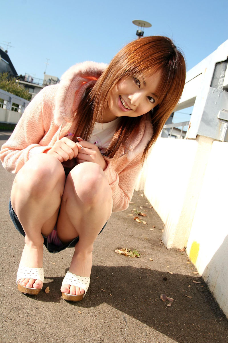 ミニスカ 美女 美脚 パンチラ エロ画像【19】