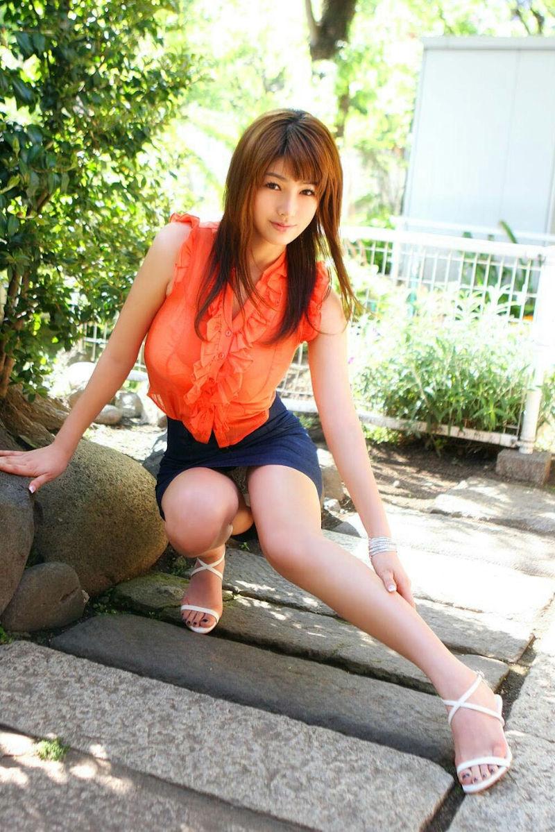 ミニスカ 美女 美脚 パンチラ エロ画像【34】