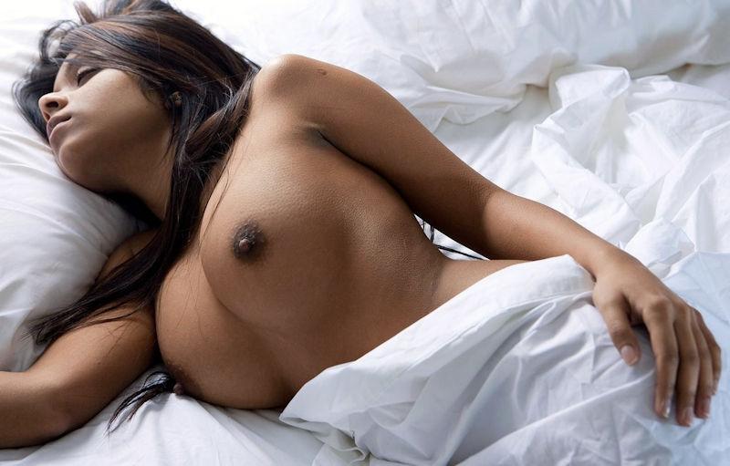 外国人 勃起乳首 エロ画像【3】