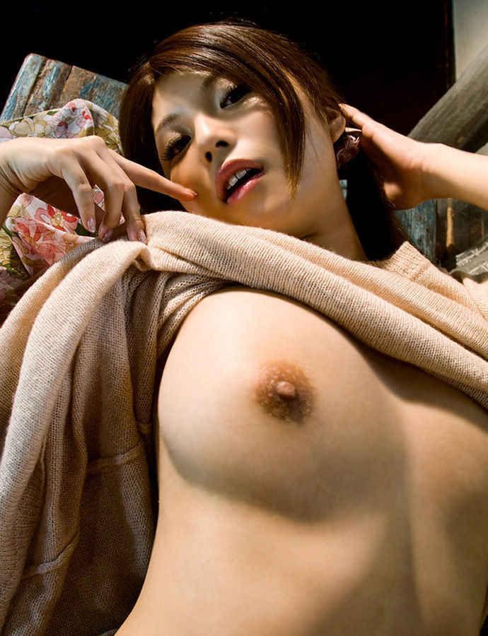 おっぱい ノーブラ ギャル たくし上げ 生乳 エロ画像【26】
