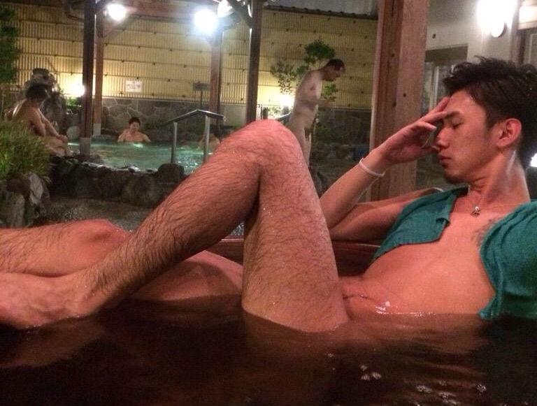 イケメン ヌード シャワー お風呂 濡れる エロ画像