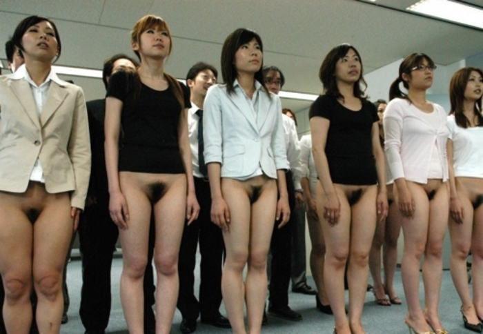 複数 同時 ノーパン 一緒 マンコ エロ画像【7】