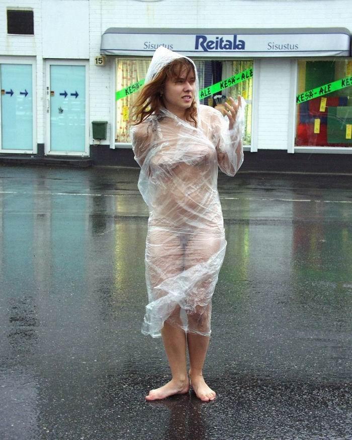 全裸 雨合羽 レインコート ヌード エロ画像【11】